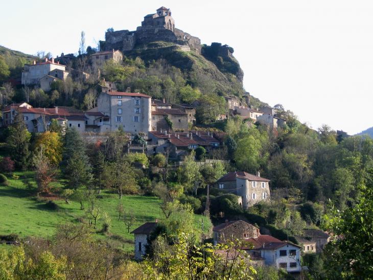 Saint-Ilpize château et bourg