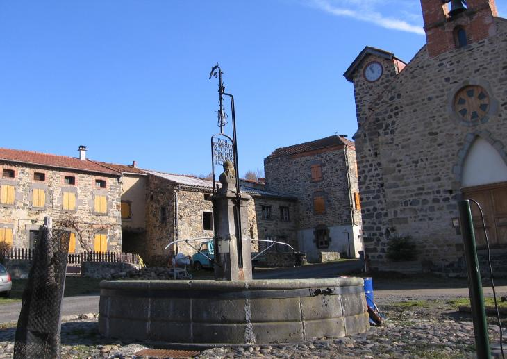 Tapon, fontaine et chapelle